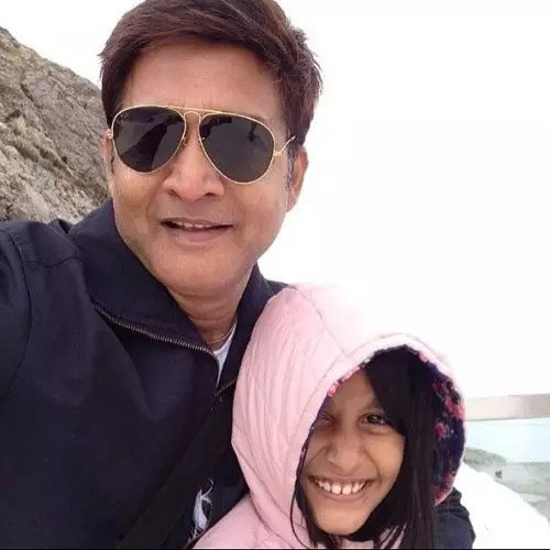 Hemant Choudhary with Daughter