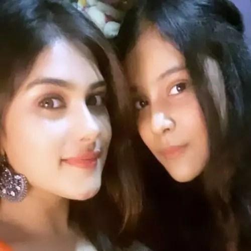 Naira Shah with sister