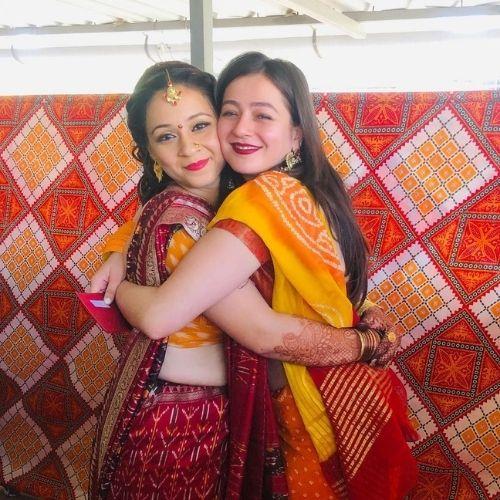 Priyal Gor with Sister