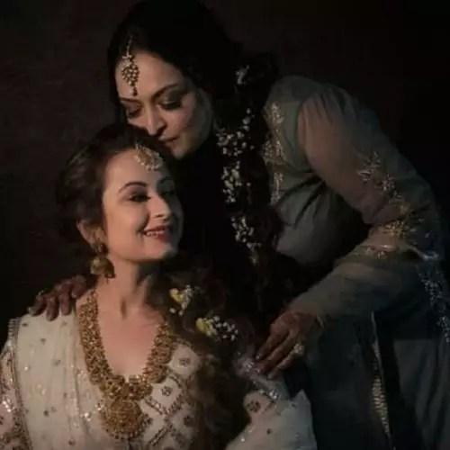 Ranveer Arora Allahbadia Mother and Sister