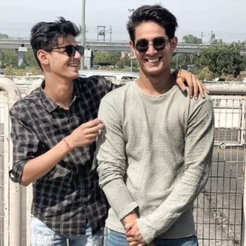 Nikhil Malik with Brother