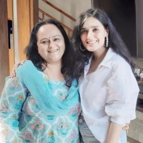 Pankhuri Awasthy with Mother