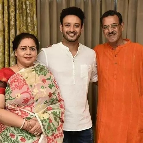 Saheb Bhattacharya with Parents