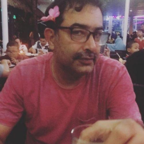 Saloni Khanna Patel Father