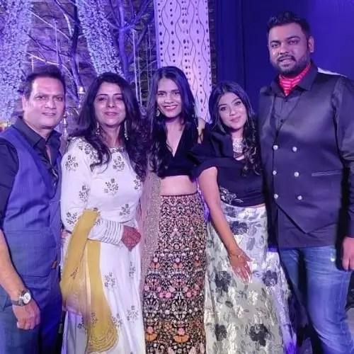 Ayushi Gupta with Family