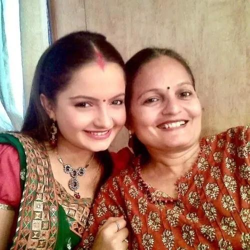 Giaa Manek with Mother