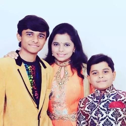 Kartiki Gaikwad with Brothers