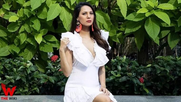 Rochelle Rao (Actress)