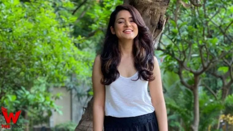 Simple Kaul (Actress)