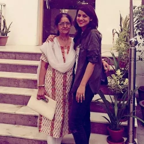 Simple Kaul with Mother