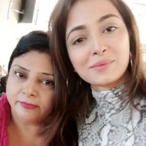 Afreen Alvi with Mother
