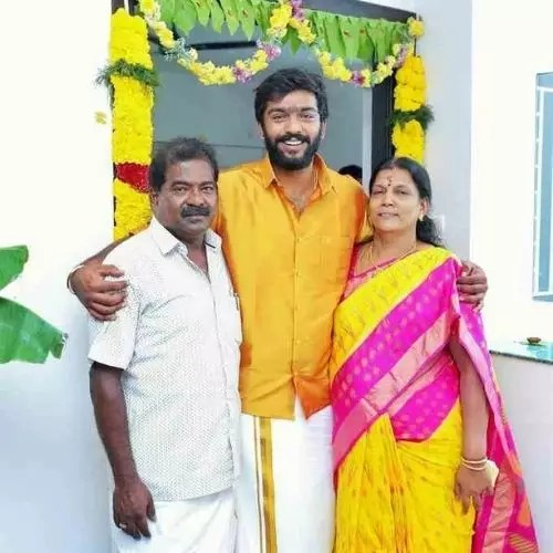 Anand Selvan with parents