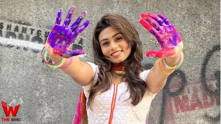 Sunidee Chauhan (Actress)