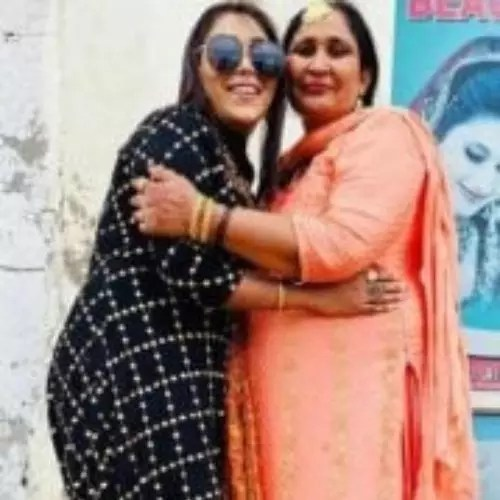 Afsana Khan with Her Mother
