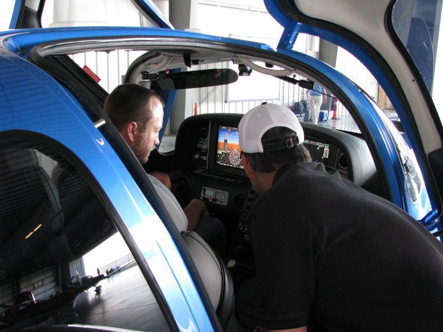 Cirrus Aircraft enthusiasts, Austin Texas 2016, photo credit wikiWings