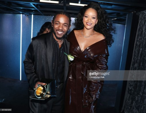 NEW YORK, NY - JANUARY 28: Recording artists Kendrick Lamar (L) and Rihanna, winners of Best Rap/Sung Performance for 'LOYALTY.' pose during the 60th Annual GRAMMY Awards at Madison Square Garden on January 28, 2018 in New York City. (Photo by Christopher Polk/Getty Images for NARAS)