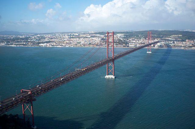 25_de_Abril_Bridge,_Lisbon