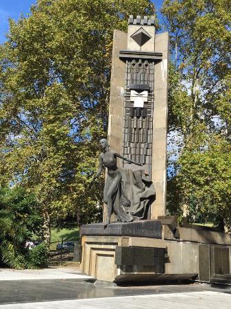 eva-peron-monument-recoleta, buenos aires