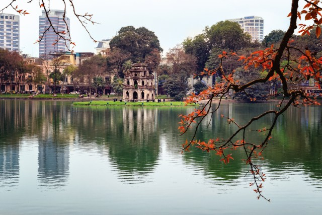 Hoàn Kiếm Lake, Hanoi