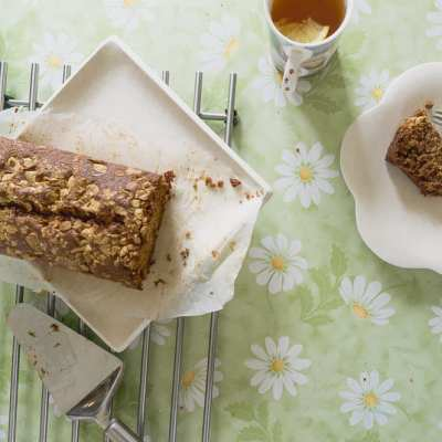 Banana bread with white chocolate crust