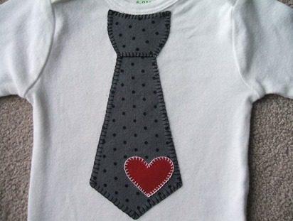 heart tie