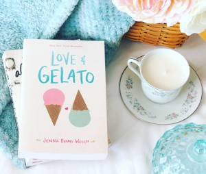 Love & Gelato bookstagram