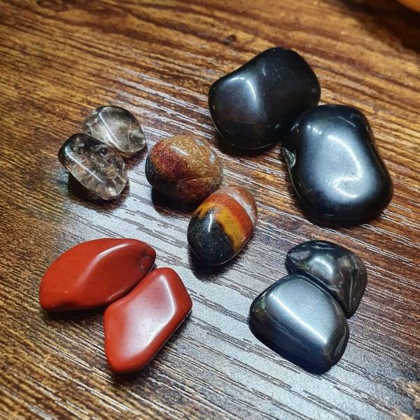 Root Chakra Crystal Set