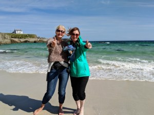 Nicky and Ute on beach at Port of Ness