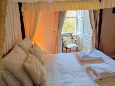 Culcreuch Castle bedroom 2