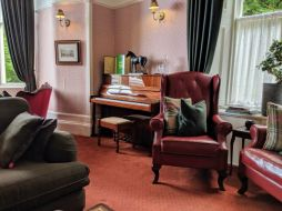 Lounge at Abbots Brae hotel