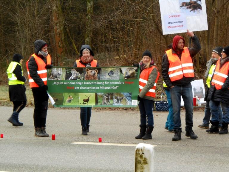 Bayrische Wildtierkiller: Jäger terrorisieren Tierrechtlerin