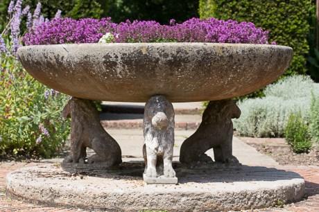 Sissinghurst - Lions