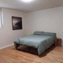 Coastal Hideaway: Downstairs Bedroom
