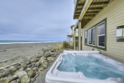 Le Dolce: Hot-tub with Ocean Views