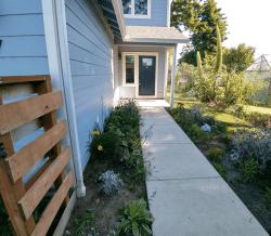 Millay House: Entry Walkway