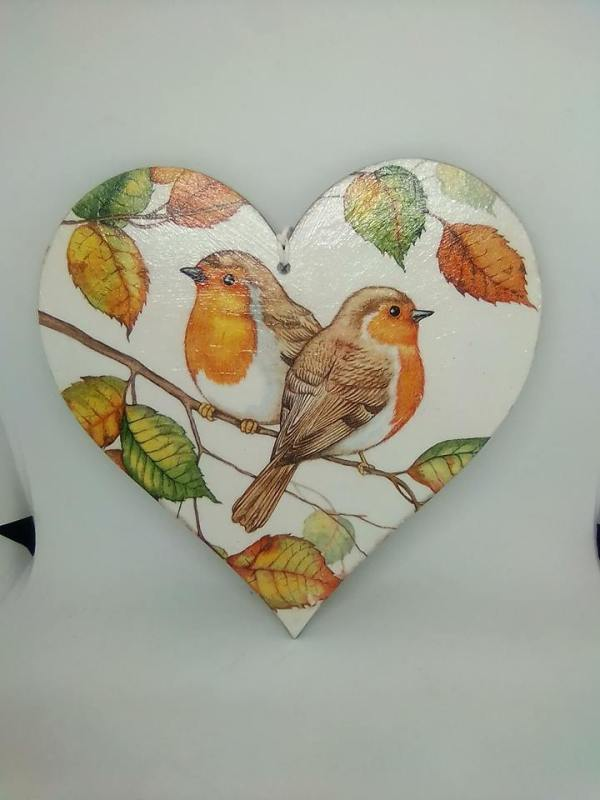 robin wooden heart