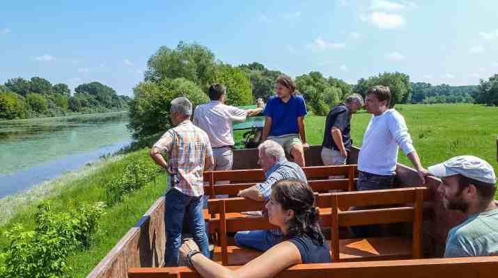 Danube_Parks_1208_Danube_Island_excursion_BROZ_archive.JPG - © Danube Parks All Rights Reserved