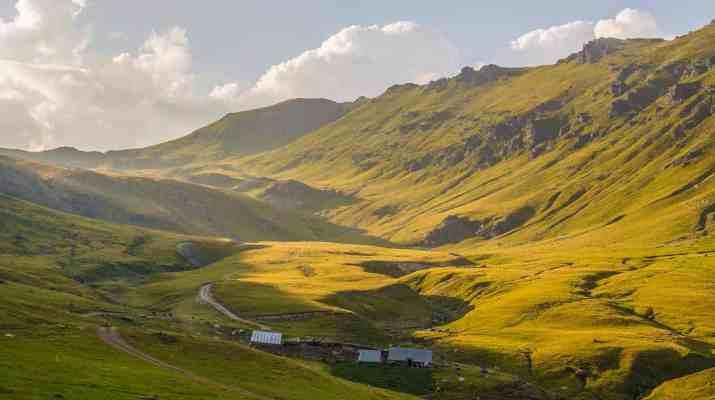 Albania, Endless pastures.jpg - European Wilderness Society - CC NonCommercial-NoDerivates 4.0 International