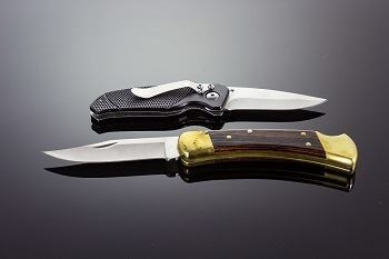 Traditional vs. Modern Folding knife Designs Compared Styles