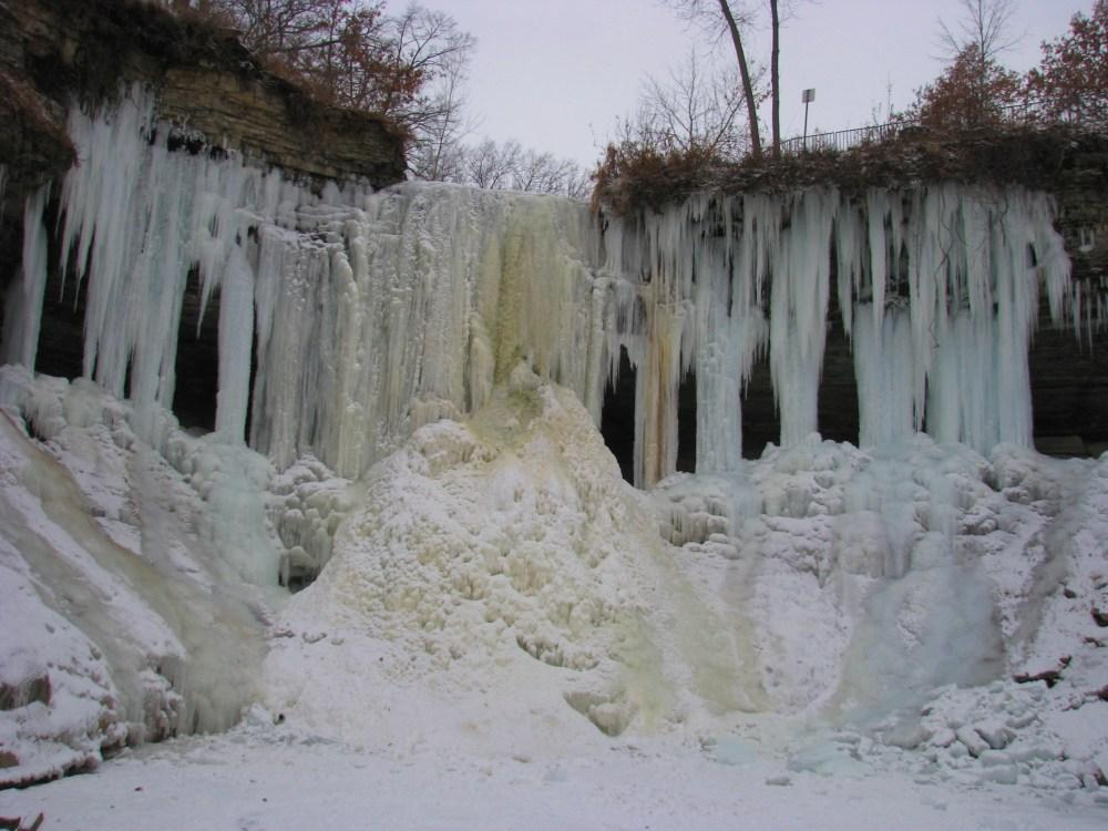 Minnehaha Falls In Winter (1/6)