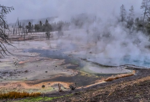 3-firehole-spring-8598