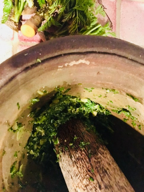 Chimichurri aus Karottengrün