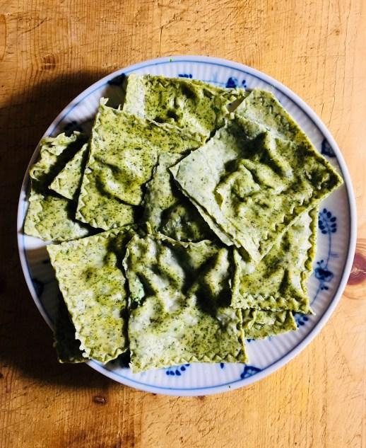 Ravioli mit Grünmehl aus Wildkräutern