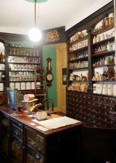Apotheke / Pharmacy