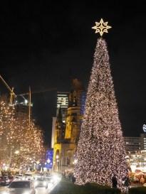 Falscher Weihnachtsbaumkegel / Fake Christmas tree cone/