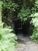 Der Höhleneingang / Cave entrance