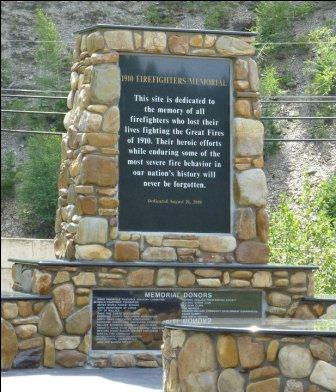 Wallace Idaho 1910 fires monument