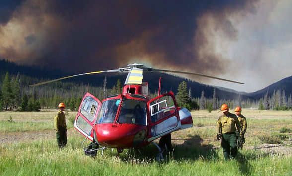 Helicopter crew on the Halstead Fire