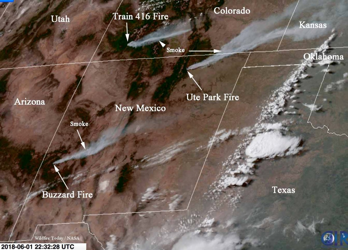 Satellite photo, smoke from New Mexico wildfires