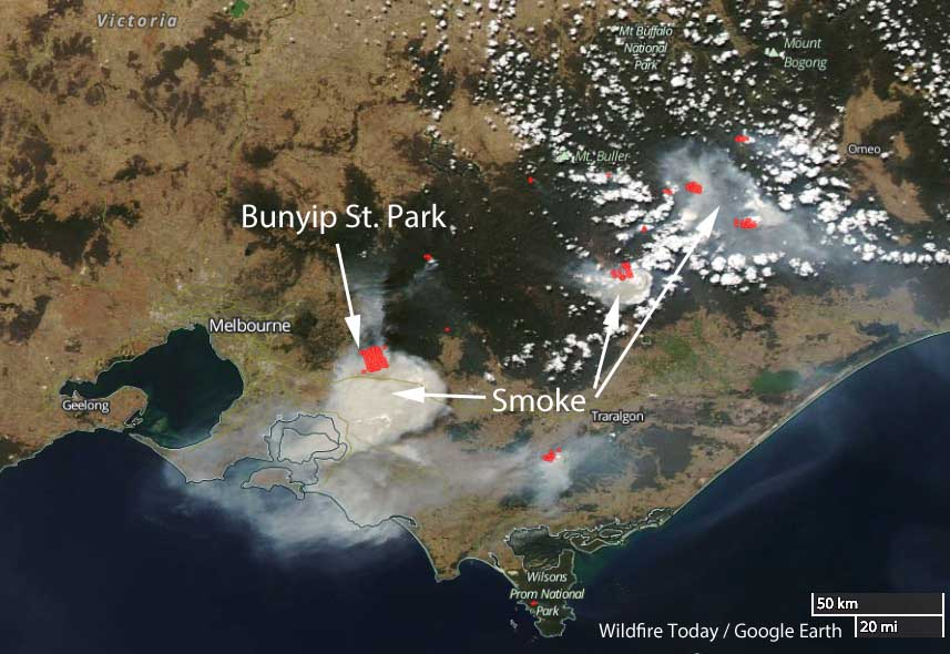 Map Of Australia Video.Hot Dry Windy Conditions Spread Wildfires East Of Melbourne